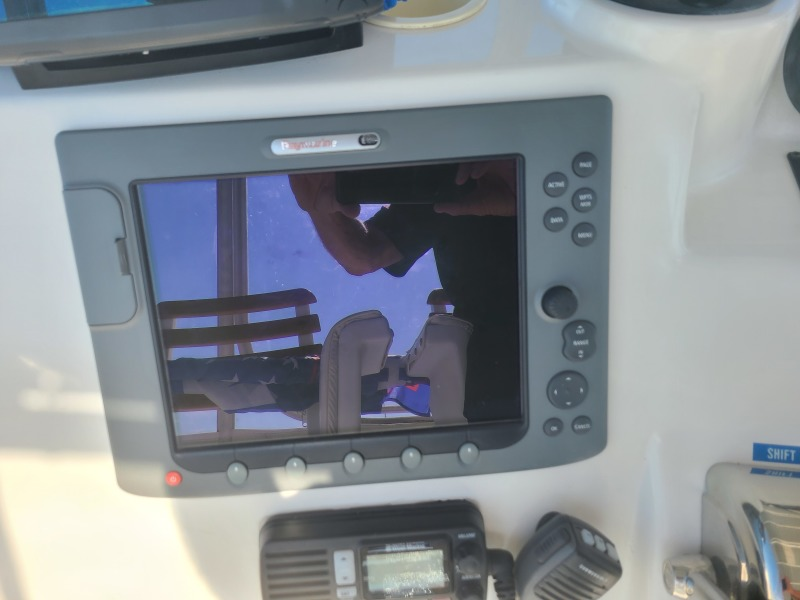 2005 36 Luhrs Convertible - Tight Lines - Flybridge Electronics