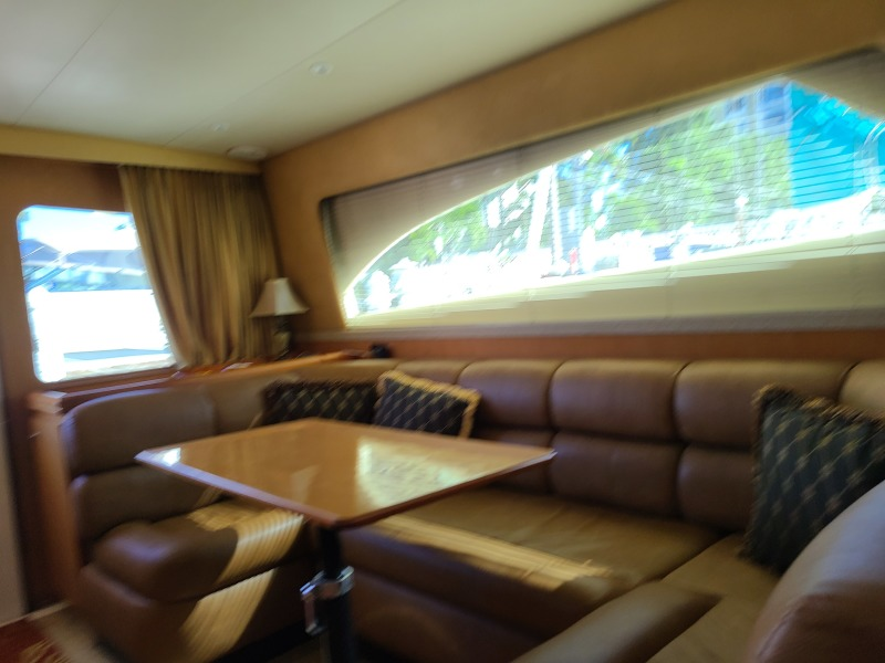 2005 36 Luhrs Convertible - Tight Lines - Dinette Seating