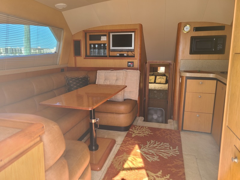 2005 36 Luhrs Convertible - Tight Lines - Salon/Dinette