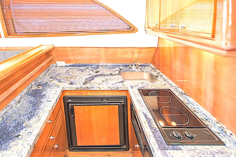2001 39 Bertram 390 Convertible Salt Shaker Galley (2)
