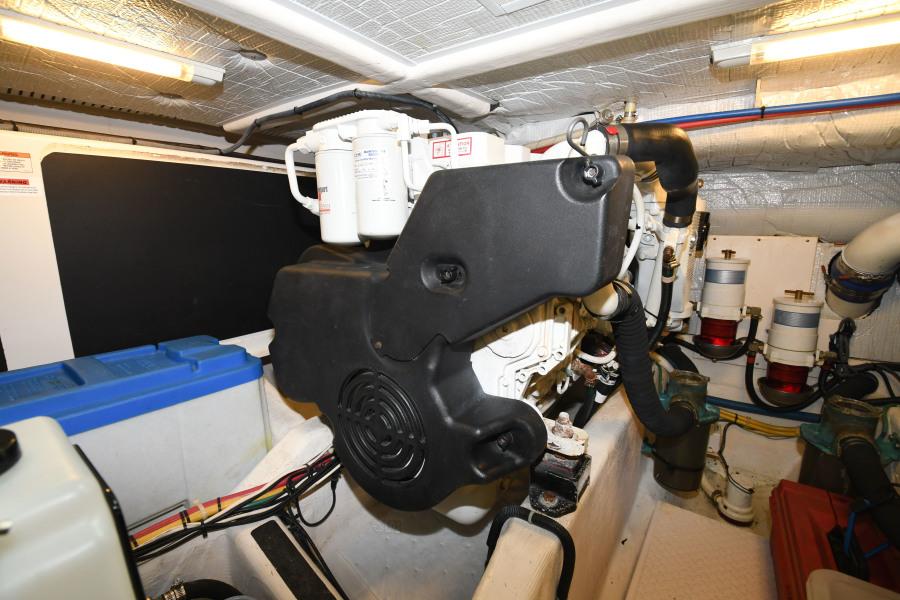 2010 40 Sabre Express - Impulse - Engine Room