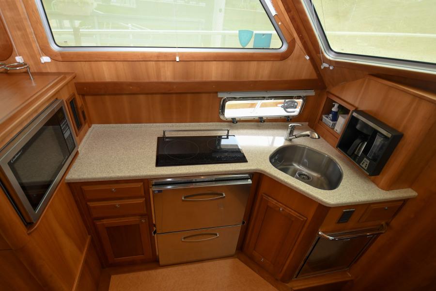2010 40 Sabre Express - Impulse - Galley