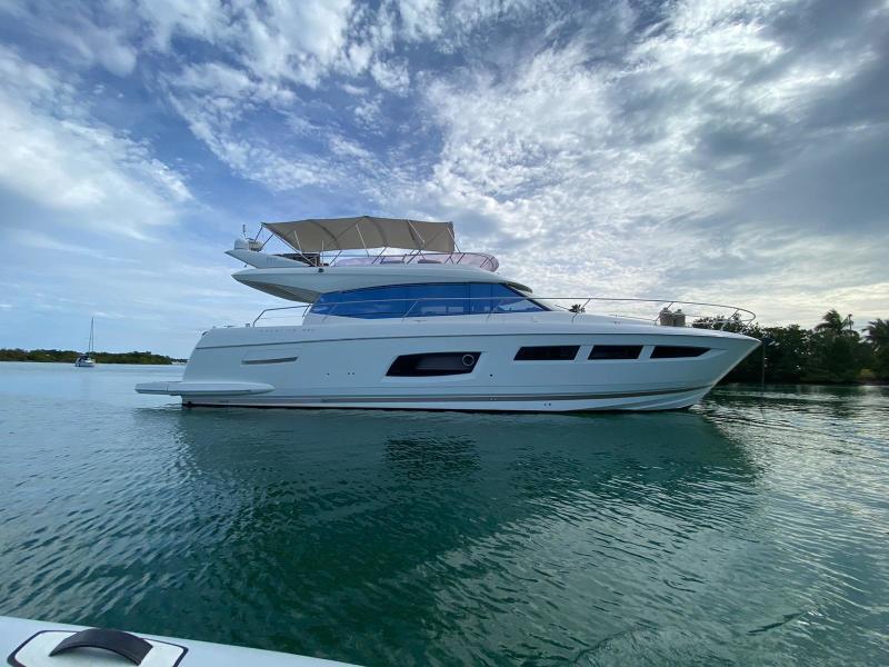 Prestige-550 2015 -Fort Lauderdale-Florida-United States-1613026-featured