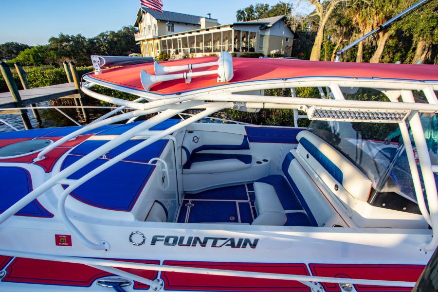 2005 Fountain 38 LX 33