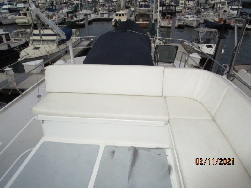 49' DeFever flybridge aft