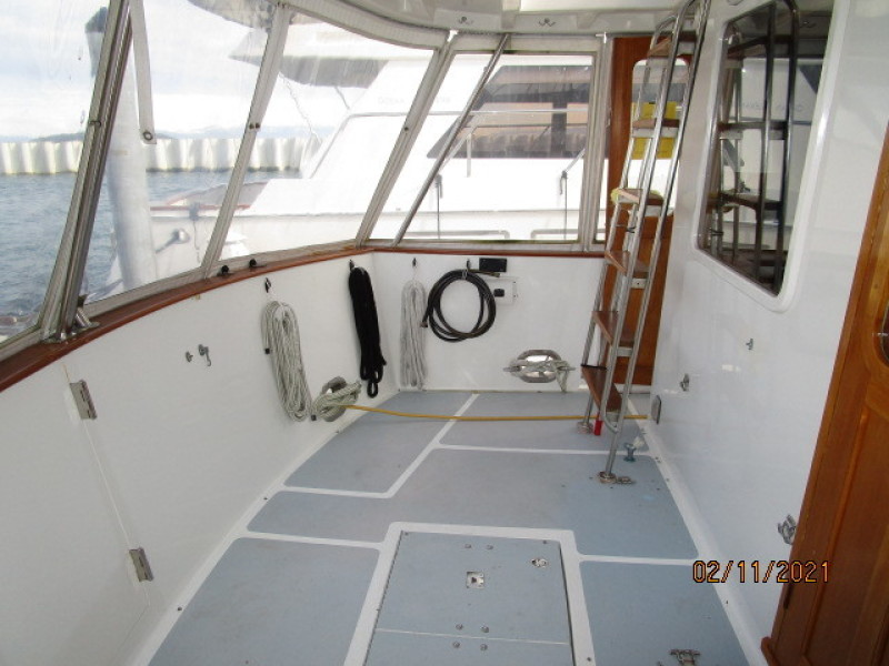 49' DeFever aftdeck port