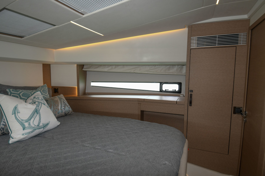 2018 46 Prestige S - VIP Stateroom