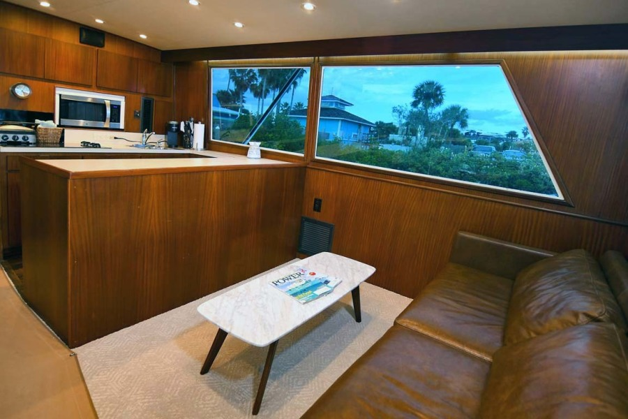 Salon and Galley To Starboard
