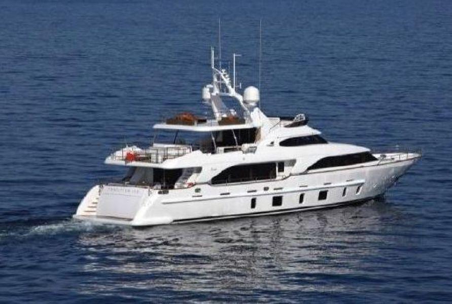 Benetti-105 2012 -Italy-1627464-featured