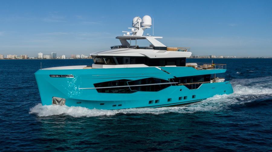 Numarine-32XP 2020-7 Diamonds Fort Lauderdale-Florida-United States-1629332-featured