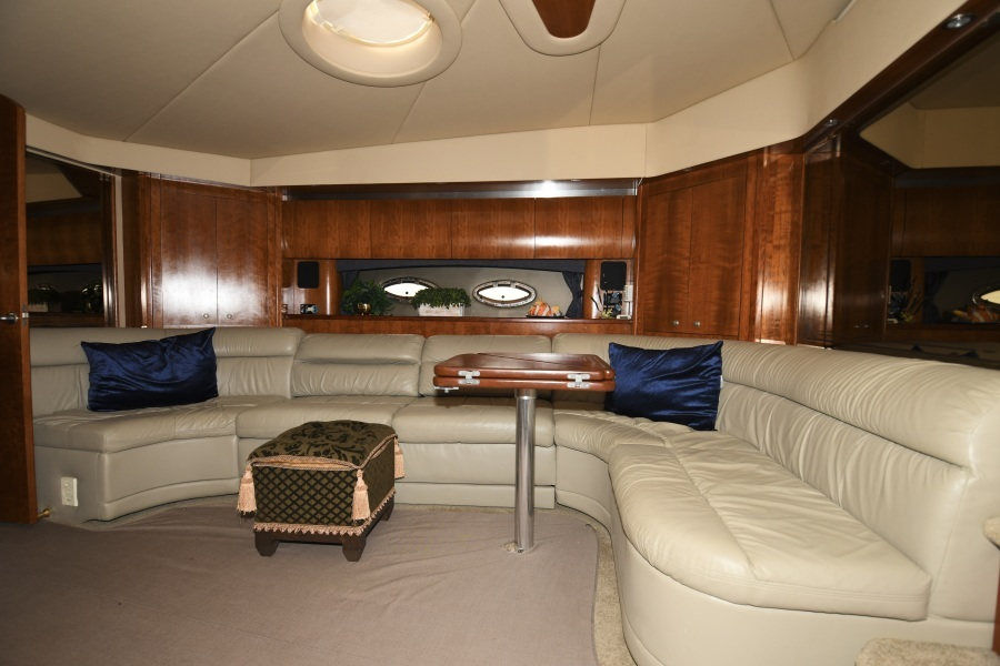 2006 52 Cruisers Express Yacht - Frame of Mind - Salon Dinette