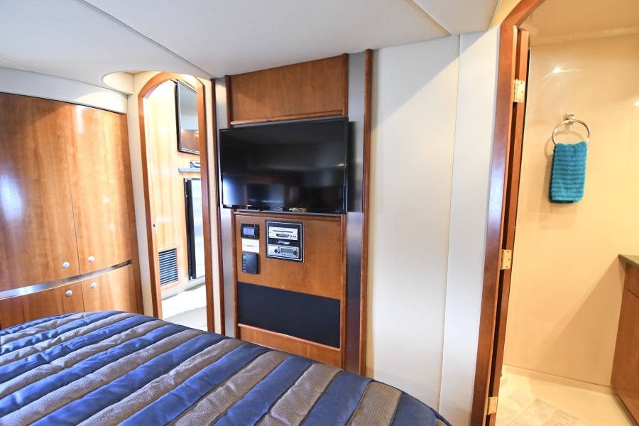 2006 52 Cruisers Express Yacht - Frame of Mind - Master Stateroom TV