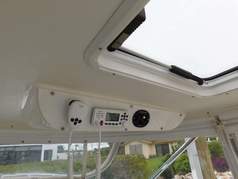 Overhead Electronics And Sunroof