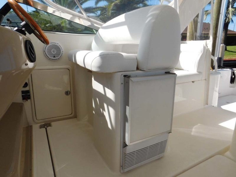 Helm Seat and Ice Maker