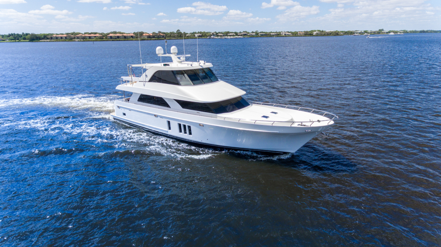Photo of 78' Ocean Alexander 78 Enclosed Bridge 2014