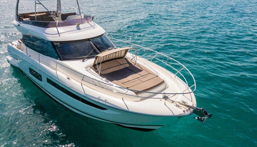 2016 55 Prestige FB- Starboard Bow
