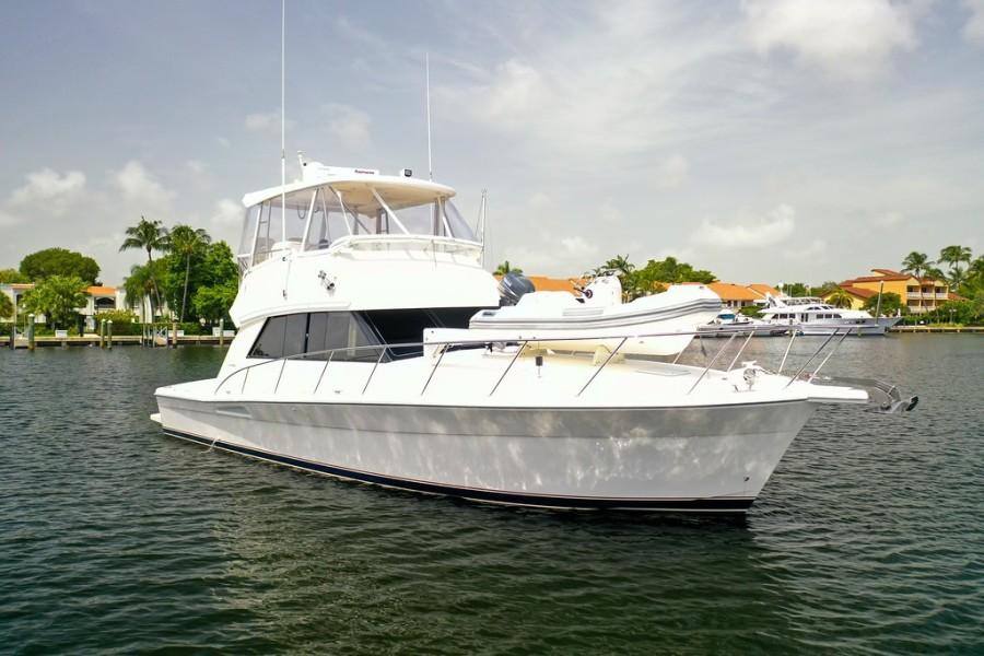 2001 Riviera 43 CNV - Starboard
