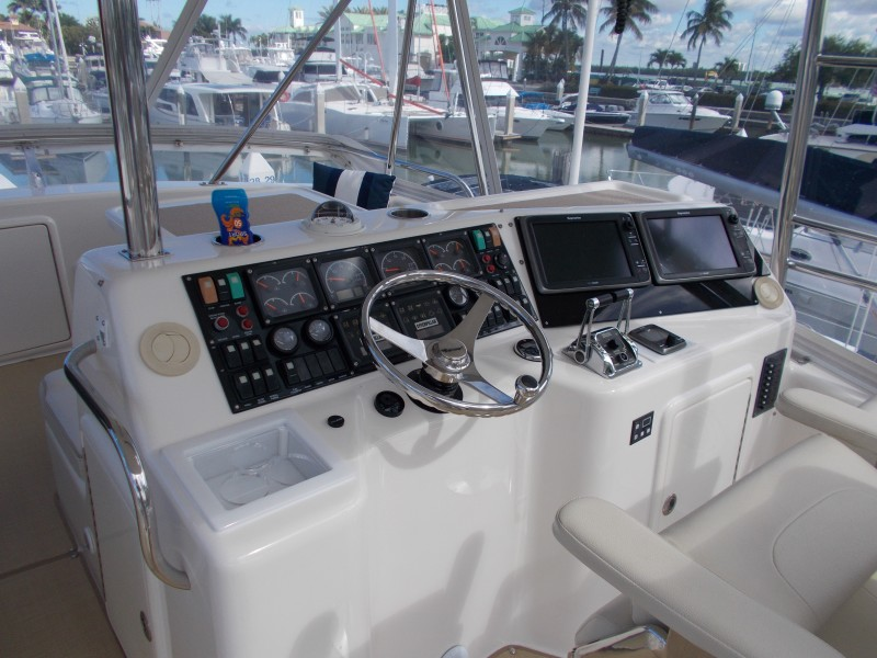 2001 Riviera 43 CNV - Helm