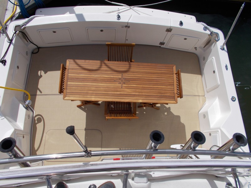 2001 Riviera 43 CNV - Cockpit overview from Flybridge