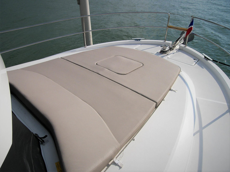 Foredeck And Sunpad