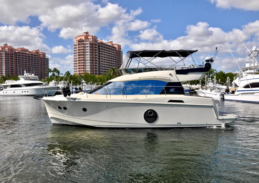 Monte Carlo Yachts-MC4 2015-DREAMS Coral Gables-Florida-United States-1641949-featured