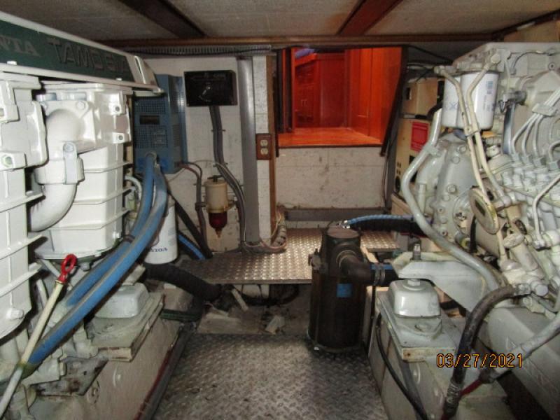 39' Ocean Alexander engine room forward