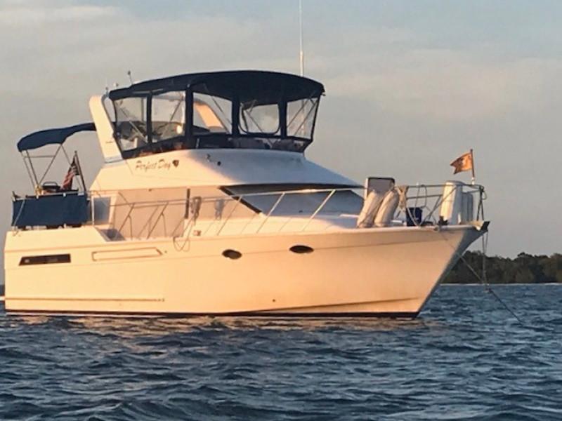 39' Ocean Alexander starboard forward profile1