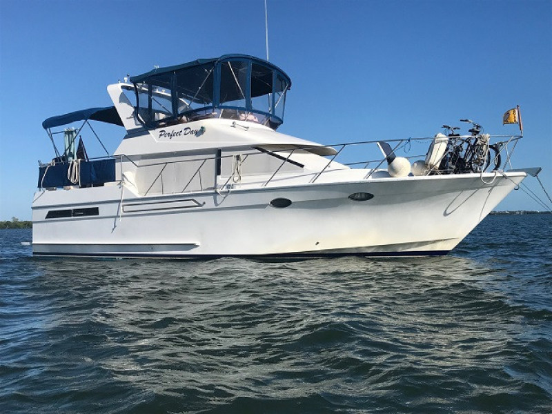 39' Ocean Alexander starboard profile1