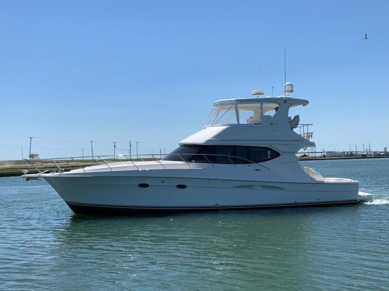 Photo of 48' Silverton Convertible 2006