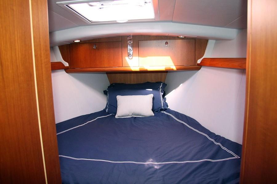 Fwd. Cabin V-berth