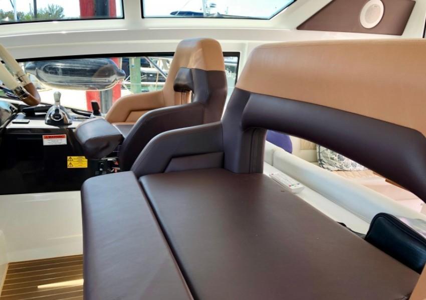 2017 Beneteau 46 Gran Turismo - Yo Baby II - Helm Seating
