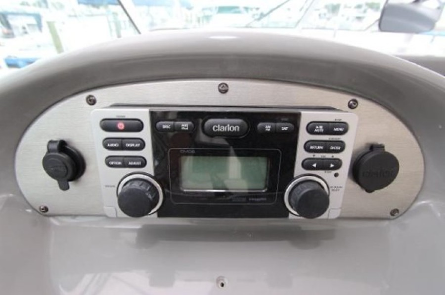 2006 Cruisers 455 Motor Yacht - Nirvana South - Stereo