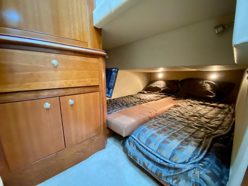 2006 Cruisers 455 Motor Yacht - Nirvana South - Guest Stateroom