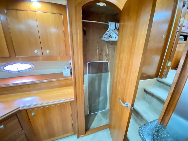 2006 Cruisers 455 Motor Yacht - Nirvana South - Master Stateroom