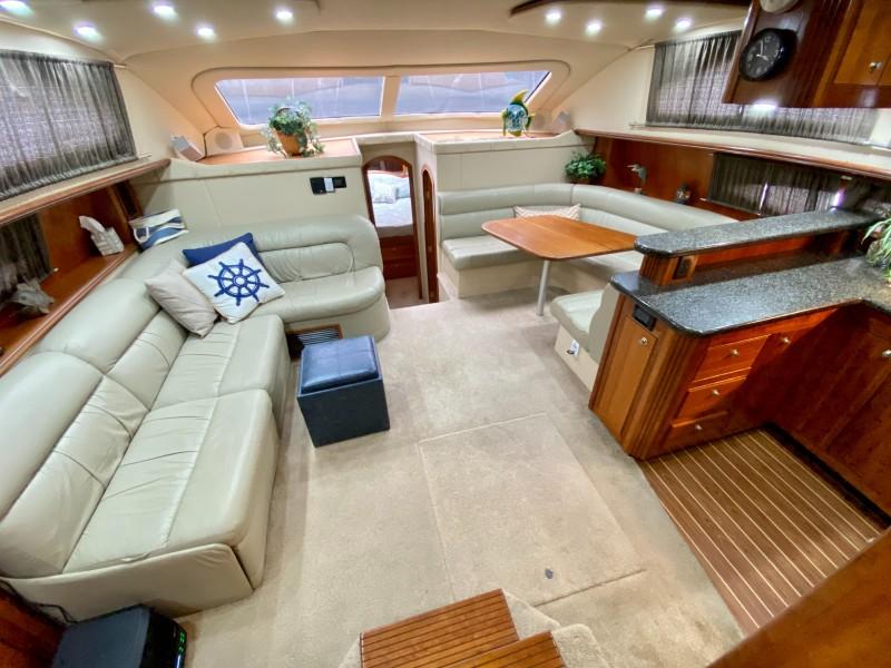2006 Cruisers 455 Motor Yacht - Nirvana South - Salon