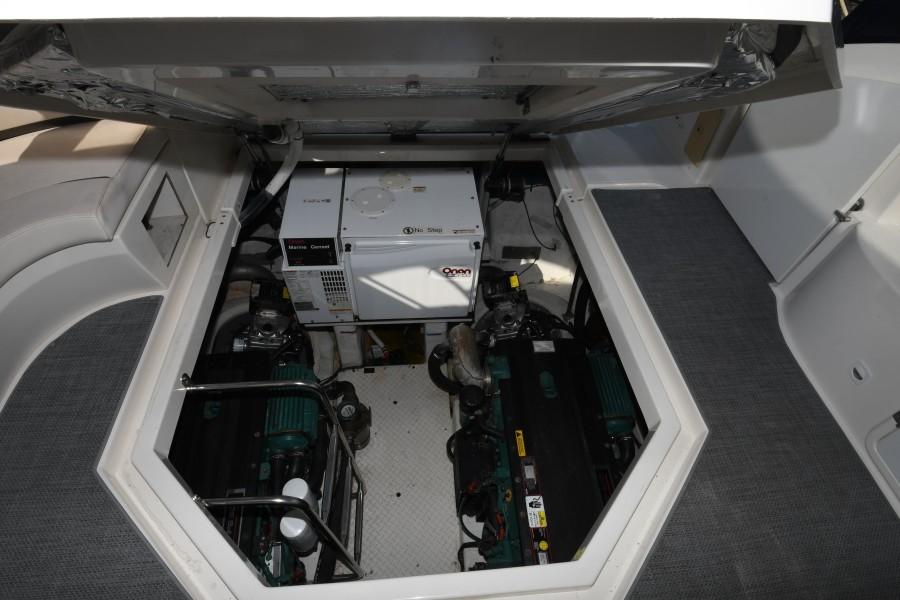 2007 42 Cruisers Express - Got Tubes II - Engine Room Access