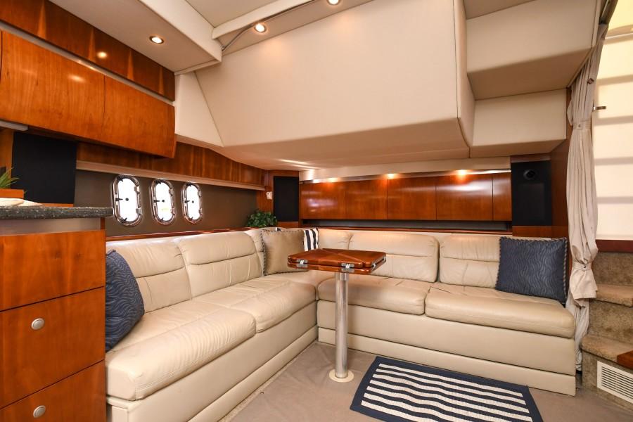 2007 42 Cruisers Express - Got Tubes II - Salon