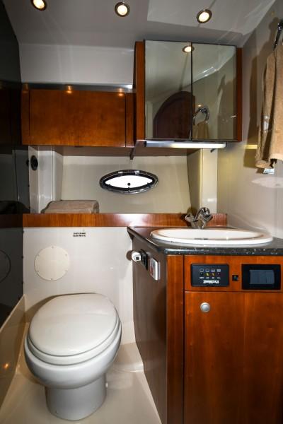 2007 42 Cruisers Express - Got Tubes II - Head