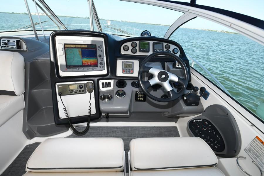 2007 42 Cruisers Express - Got Tubes II - Helm/Electronics