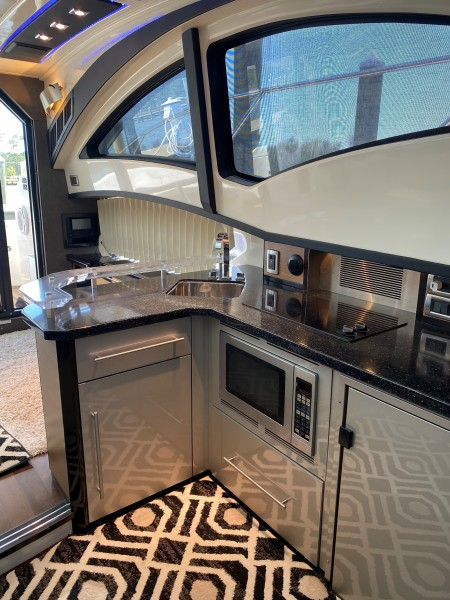 2008 Marquis 40 SC  Galley 2
