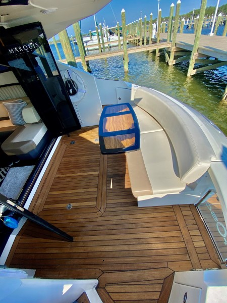 2008 Marquis 40 SC  Aft Deck
