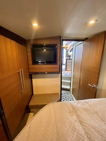 2008 Marquis 40 SC  Stateroom 3