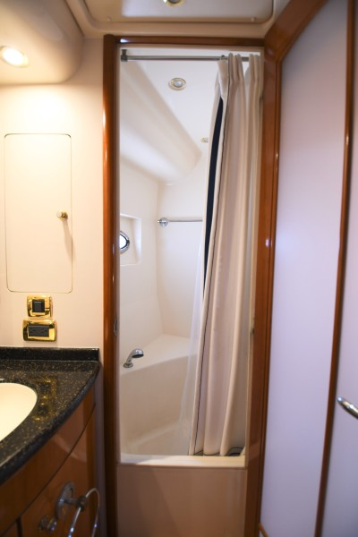 2002 57 Carver Voyager - Plan B - Master Stateroom Shower Stall