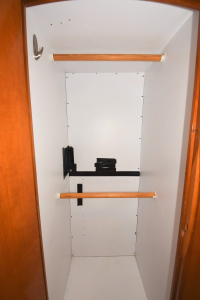 2002 57 Carver Voyager - Plan B - Master Stateroom Hanging Locker