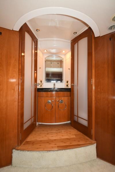 2002 57 Carver Voyager - Plan B - Master Stateroom Vanity