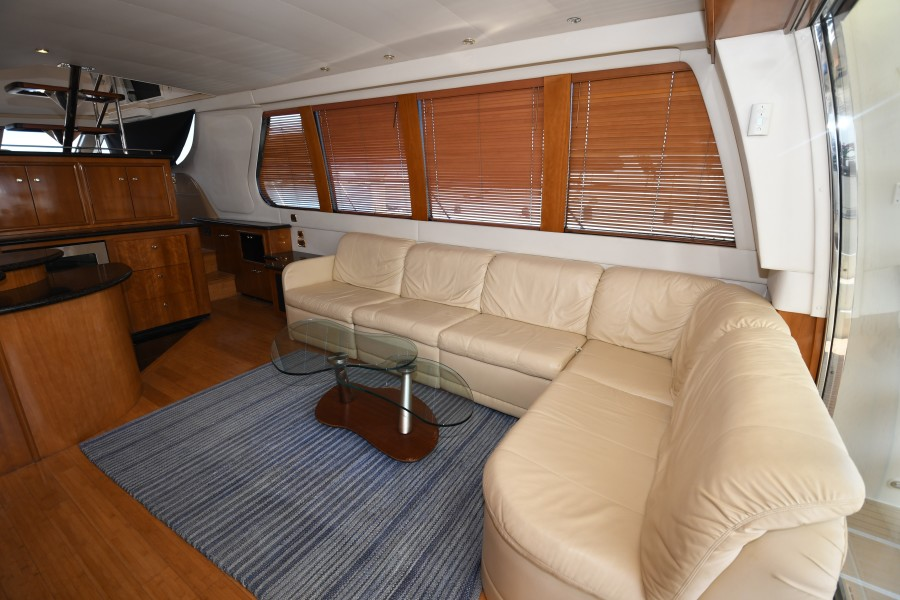 2002 57 Carver Voyager - Plan B - Salon