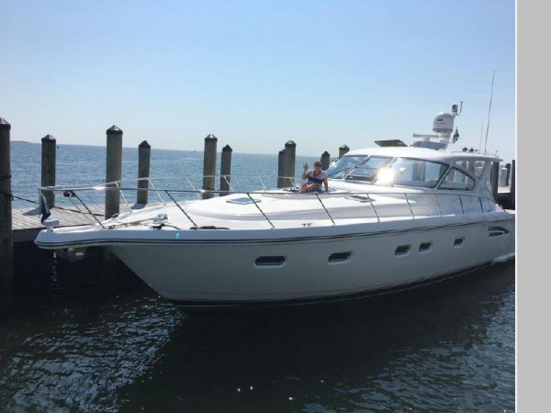 Photo of 52' Tiara Yachts 5200 2000