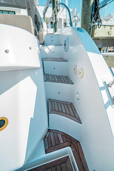 2018 43 Azimut Atlantis - We Got This - Transom Steps