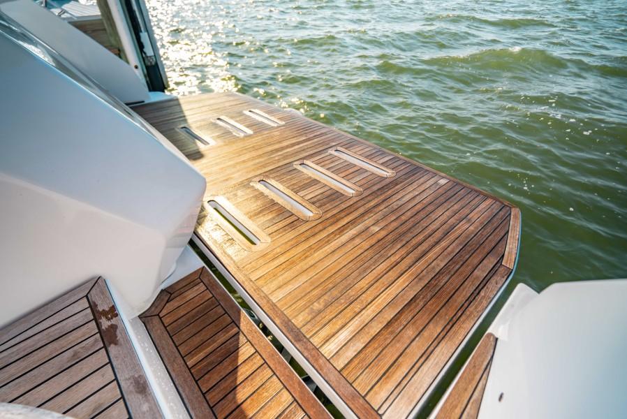 2018 43 Azimut Atlantis - We Got This - Swim Platform
