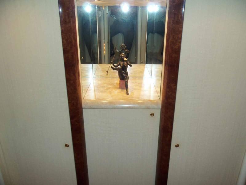 Lower Foyer Art Niche